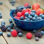 ベリー類の濃い色は、豊富なポリフェノールの証。工夫して毎日食べよう