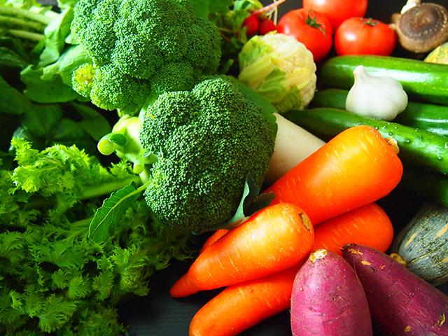 野菜不足は深刻!野菜をたくさん食べる工夫を