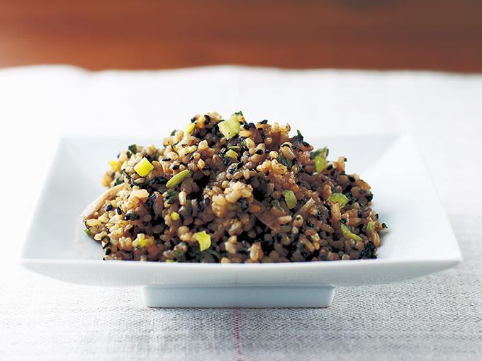 小松菜とごぼうの玄米まぜごはん