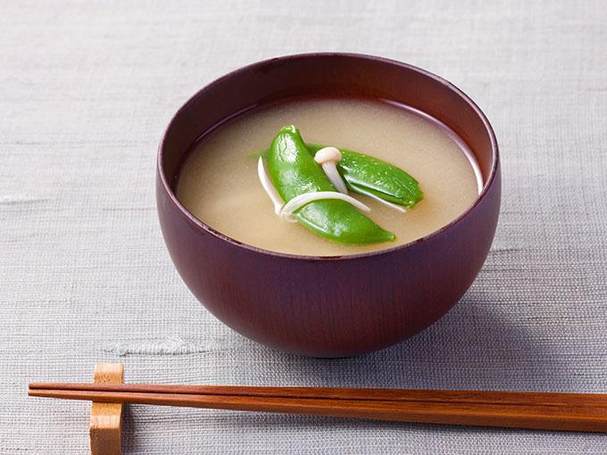スナップエンドウの味噌汁