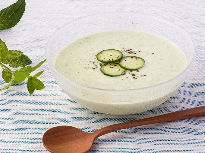 豆腐ときゅうりの冷製スープ