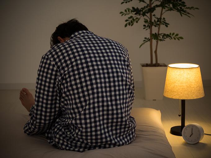 加齢で増える睡眠途中覚醒。快眠を妨げる原因を知り対策を