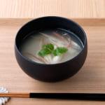 ごま豆腐と夏野菜の味噌汁