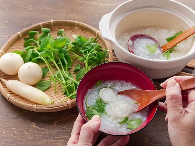 七草粥の由来や意味。胃腸に優しい冬の道場レシピ